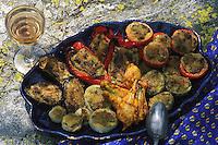 """Europe/France/Provence-Alpes-Côte d'Azur/06/Alpes Maritimes/Arrière Pays niçois: Plat de """"Petits Farcis"""" Cuisine niçoise, légumes, aubergines, tomates, oignons et poivrons farcis"""