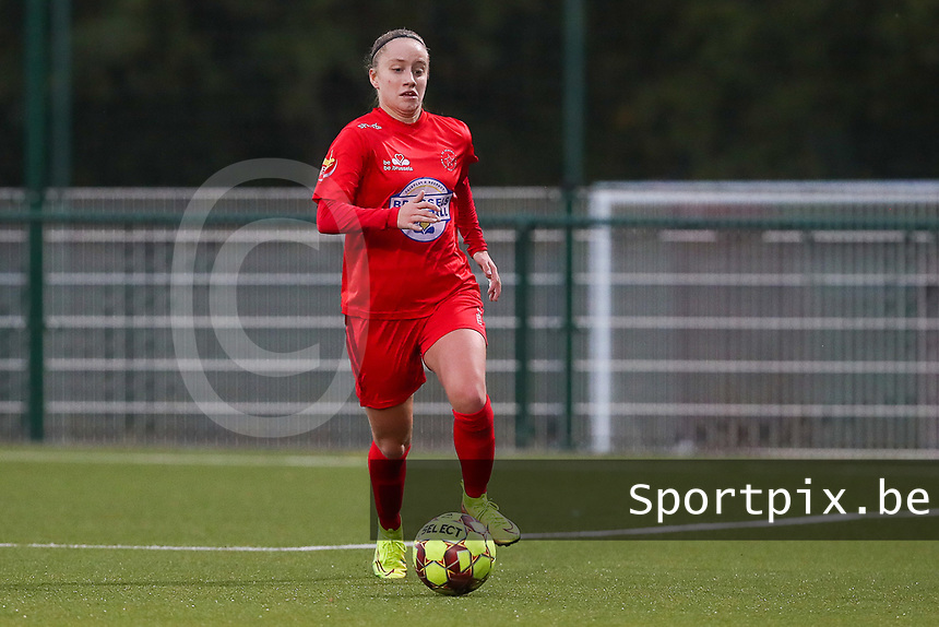 Estelle Peron of Woluwe (45) with the ball during a female soccer game between Oud Heverlee Leuven and Femina White Star Woluwe  on the 5 th matchday of the 2020 - 2021 season of Belgian Womens Super League , Sunday 18 th of October 2020  in Heverlee , Belgium . PHOTO SPORTPIX.BE | SPP | SEVIL OKTEM
