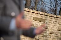 """Auf dem Gelaende des Einsatzfuehrungskommando der Bundeswehr, der Henning-von-Tresckow-Kaserne bei Potsdam, wurde ein Ehrenhain zum Gedenken an die im Einsatz verstorbenen Bundeswehrangehoerigen eingerichtet. In diesem """"Wald der Erinnerunge"""" sind die Gedenkhaine aus den Einsatzgebieten der Bundeswehr errichtet worden. Zum Teil originalgetreu nachgebildet von den Orten in denen die Bundeswehr eingesetzt war und Angehoerige verstorben sind.<br /> Im Bild: Der Ehrenhain Kunduz. Er wurde verkleinert nachgebaut.<br /> 14.11.2014, Potsdam<br /> Copyright: Christian-Ditsch.de<br /> [Inhaltsveraendernde Manipulation des Fotos nur nach ausdruecklicher Genehmigung des Fotografen. Vereinbarungen ueber Abtretung von Persoenlichkeitsrechten/Model Release der abgebildeten Person/Personen liegen nicht vor. NO MODEL RELEASE! Don't publish without copyright Christian-Ditsch.de, Veroeffentlichung nur mit Fotografennennung, sowie gegen Honorar, MwSt. und Beleg. Konto: I N G - D i B a, IBAN DE58500105175400192269, BIC INGDDEFFXXX, Kontakt: post@christian-ditsch.de<br /> Urhebervermerk wird gemaess Paragraph 13 UHG verlangt.]"""