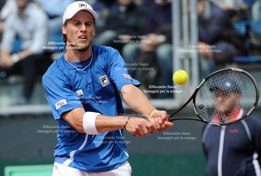 NAPOLI 5 APR - Seconda giornata della sfida di Coppa Davis tra Italia e Gran Bretagna nella foto l'incontro tra Andy Murray e Andreas Seppi NELLA foto SEPPI