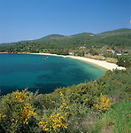 Greece, Central Macedonia, Chalkidiki, near Neos Marmaras: village at the West coast of Sithonia Peninsula | Griechenland, Zentralmakedonien, Chalkidiki, bei Neos Marmaras: Dorf an der Westkueste der Halbinsel Sithonia