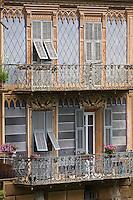 Europe/France/Provence-Alpes-Côtes d'Azur/06/Alpes-Maritimes/Alpes-Maritimes/Arrière Pays Niçois/Sospel: Facades en trompe-l'oeil, sur la Bévéra