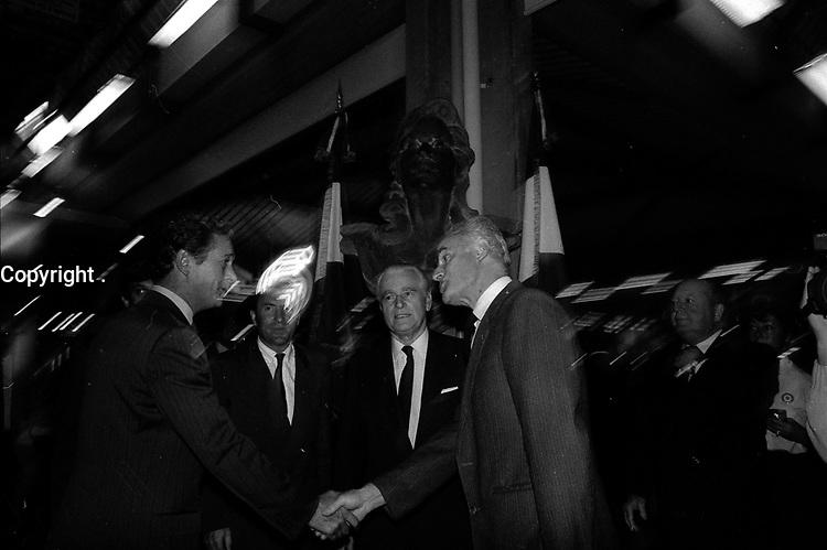 29 Septembre 1987. Vue de Dominique Baudis et de Jacques Chaban-Delmas lors d'une visite.