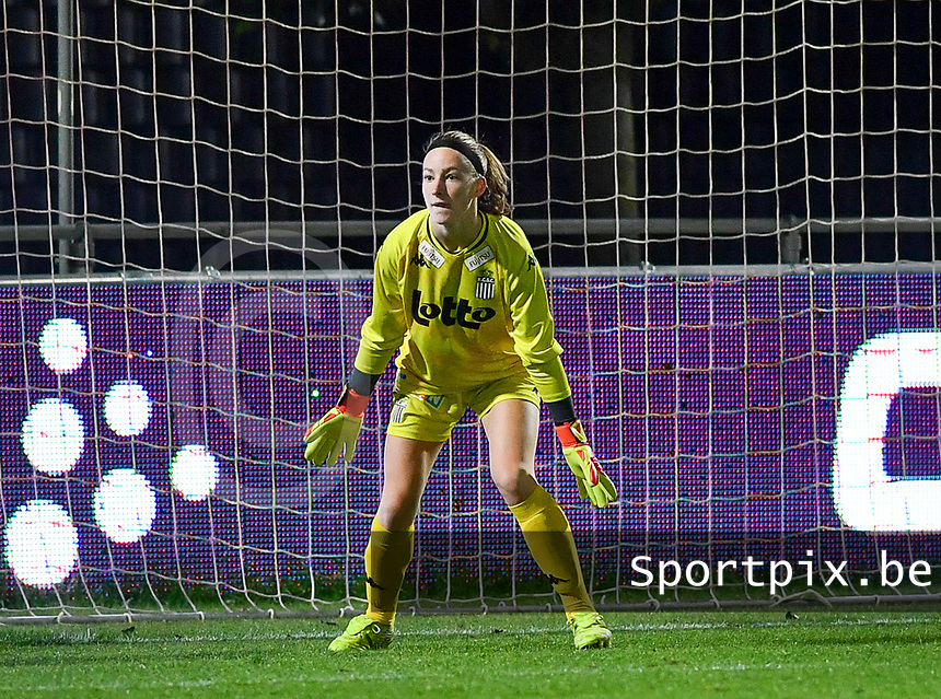 goalkeeper Ambre Collet (1 Charleroi) pictured during a female soccer game between  AA Gent Ladies and Sporting Charleroi Feminin on the fifth matchday of the 2020 - 2021 season of Belgian Scooore Womens Super League , friday 16 th of October 2020  in Oostakker , Belgium . PHOTO SPORTPIX.BE | SPP | DAVID CATRY