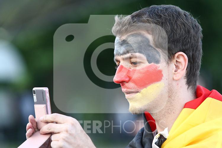 23.06.2010, Olympiapark, Muenchen, GER, FIFA Worldcup, Puplic Viewing Ghana vs Deutschland  im Bild Fan , Foto: nph /  Straubmeier