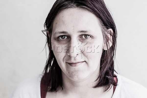 Mutter, Hartz IV, Bochum<br /> <br /> *** HighRes auf Anfrage *** Voe nur nach Ruecksprache mit dem Fotografen *** Sonderhonorar ***<br /> <br /> Engl.: Europe, Germany, Bochum, unemployment benefit, Hartz IV, unemployed, unemployment, poverty, poor, social benefits, woman, mother, portrait, 20 June 2012<br /> <br /> ***Highres on request***publication only after consultation with the photographer***special fee***