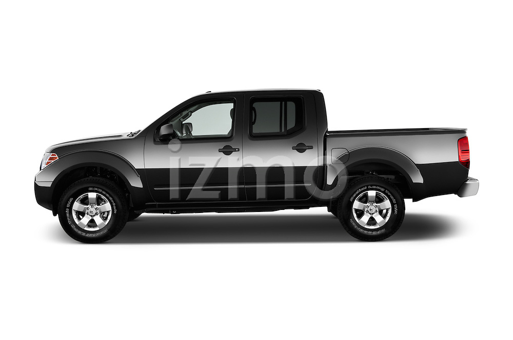 Driver side profile view of a 2013 Nissan Frontier Crew Cab SV 4wd2013 Nissan Frontier Crew Cab SV 4wd