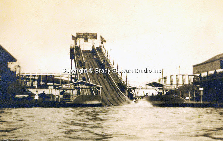 """St Louis Mo:  View of the """"Shoot the Chute ride"""" at the St Louis World's Fair.  One of the favorite rides at the exposition."""