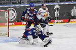 Muenchens Yannic Seidenberg (Nr.36) kommt nich an den Puck daneben Mannheims Mark Katic (Nr.95) und vorne Mannheims Dennis Endras (Nr.44)  beim Spiel des MAGENTA SPORT CUP 2020, Adler Mannheim (blau) - EHC Red Bull Muenchen (weiss).<br /> <br /> Foto © PIX-Sportfotos *** Foto ist honorarpflichtig! *** Auf Anfrage in hoeherer Qualitaet/Aufloesung. Belegexemplar erbeten. Veroeffentlichung ausschliesslich fuer journalistisch-publizistische Zwecke. For editorial use only.