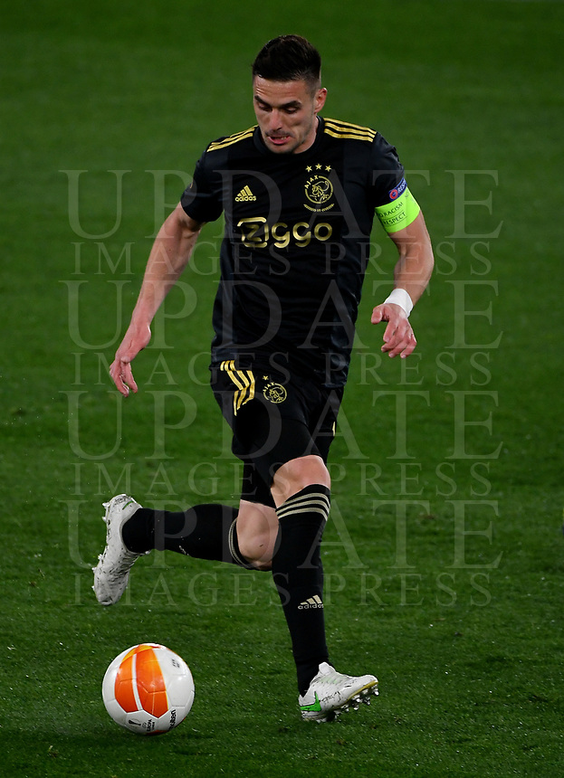 Football: Europa League - quarter final 2nd leg AS Roma vs Ajax, Olympic Stadium. Rome, Italy, March 15, 2021.<br /> Ajaz's captain Dusan Tadic  in action during the Europa League football match between Roma at Rome's Olympic stadium, Rome, on April 15, 2021.  <br /> UPDATE IMAGES PRESS/Isabella Bonotto
