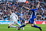 Gareth Bale (L) of Real Madrid fights for the ball with Daniel Alejandro Torres Rojas, D Torres, of Deportivo Alaves during the La Liga 2017-18 match between Real Madrid and Deportivo Alaves at Santiago Bernabeu Stadium on February 24 2018 in Madrid, Spain. Photo by Diego Souto / Power Sport Images
