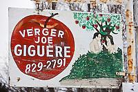 Amérique/Amérique du Nord/Canada/Québec/ Env de Québec/Île d'Orléans/Sainte-Famille-de-l'Île-d'Orléans: Enseigne d'un verger -  cidrerie qui vend du cidre de Glace