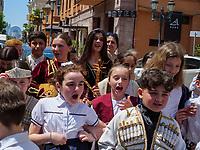 Schulklasse in der Altstadt, Batumi, Adscharien - Atschara, Georgien, Europa<br /> pupil in the historic city,  Batumi, Adjara,  Georgia, Europe
