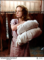 Prod DB © Renn Productions - Belstar Productions / DR<br /> SOUVENIRS D'EN FRANCE de AndrÈ TÈchinÈ 1974 FRA.<br /> avec Jeanne Moreau<br /> oreiller