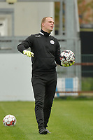 Zulte Waregem's goalkeeper coach Giovanni Vandenbussche  pictured during a female soccer game between Eendracht Aalst and SV Zulte Waregem on the seventh matchday of the 2020 - 2021 season of Belgian Scooore Womens Super League , Saturday 14 th of November 2020  in Aalst , Belgium . PHOTO SPORTPIX.BE | SPP | DIRK VUYLSTEKE