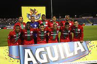 TULUÁ -COLOMBIA-1-JUNIO-2016. Formación de Cortuluá contra Santa Fe . Acción de juego entre Cortuluá y   Santa Fe    durante partido por los cuartos de final-cuartos ida de la  Liga Águila I 2016 jugado en el estadio 12 de Octubre de Tuluá./ Team of Cortulua against Santa Fe.Actions Game between  Cortuluá and Santa Fe   during the match for the date match quarterfinal round end-quarters of Liga Aguila  2016 I Liga played at the 12 de Octubre  stadium in Tulua . Photo: VizzorImage / Felipe Caicedo / Staff