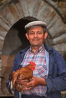 Europe/France/Bretagne/35/Ille-et-Vilaine/Janzé: Eleveur de poulets de Janzé [Non destiné à un usage publicitaire - Not intended for an advertising use]<br />  PHOTO D'ARCHIVES // ARCHIVAL IMAGES<br /> FRANCE 1990