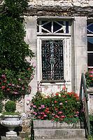 """Europe/France/Normandie/Basse-Normandie/61/Orne/La Perrière : Restaurant-brocante """"La Maison d'Horbé"""" - Détail porte"""