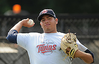 July 15, 2009: RHP Angelo Sanchez (47) of the Elizabethton Twins, rookie Appalachian League affiliate of the Minnesota Twins, before a game at Dan Daniel Memorial Park in Danville, Va. Photo by:  Tom Priddy/Four Seam Images