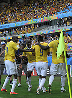 BELO HORIZONTE - BRASIL -14-06-2014. Jugadores de Colombia (COL) celebran un gol anotado a Grecia (GRC) durante partido del Grupo C de la Copa Mundial de la FIFA Brasil 2014 jugado en el estadio Mineirao de Belo Horizonte./ Players of Colombia (COL) celebrate a goal scored to Grece (GRC) during the macth of the Group C of the 2014 FIFA World Cup Brazil played at Mineirao stadium in Belo Horizonte. Photo: VizzorImage / Alfredo Gutiérrez / Contribuidor