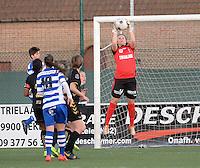 AA Gent - Telstar :<br /> <br /> Melissa van der Wiel plukt de bal boven de hoofden van iedereen<br /> <br /> foto Dirk Vuylsteke / Nikonpro.be