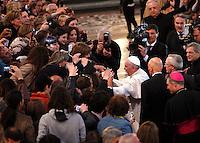 Papa Francesco saluta i fedeli al suo arrivo alla veglia di preghiera per le vittime innocenti della mafia nella parrocchia di San Gregorio VII a Roma, 21 marzo 2014.<br /> Pope Francis greets faithful as he arrives for a vigil prayer for innocent victims of mafia, at the parish church of San Gregorio VII in Rome, 21 March 2014.<br /> UPDATE IMAGES PRESS/Riccardo De Luca<br /> <br /> STRICTLY ONLY FOR EDITORIAL USE