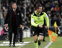 Calcio, Serie A: Juventus vs Milan. Torino, Juventus Stadium, 21 novembre 2015. <br /> AC Milan's coach Sinisa Mihajlovic gives indications to his players during the Italian Serie A football match between Juventus and AC Milan at Turin's Juventus stadium, 21 November 2015. Juventus won 1-0.<br /> UPDATE IMAGES PRESS/Isabella Bonotto