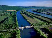 Railroad bridge over Tennessee River at Bridgeport