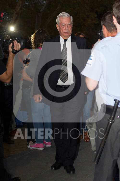 Mario Vargas Llosa visits San Isidro funeral home following the death of Miguel Boyer in Madrid, Spain. September 29, 2014. (ALTERPHOTOS/Victor Blanco)