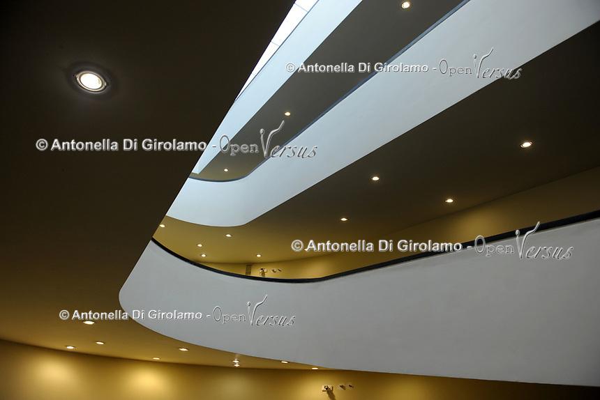 Scala Elicoidale nuova rampa.<br /> CoviTime.<br /> Musei Vaticani al tempo del Coronavirus.<br /> Vatican Museum at the time of the Coronavirus.
