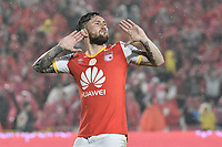 BOGOTÁ -COLOMBIA, 25-03-2017. Jonathan Gomez jugador de Santa Fe celebra después de anotar gol al Millonarios durante el encuentro de vuelta entre Independiente Santa Fe y Millonarios partido aplazado por la fecha 2 de la Liga Aguila I 2017 jugado en el estadio Nemesio Camacho El Campin de la ciudad de Bogota. / Jonathan Gomez player of Santa Fe celebrates after scoring a goal to Millonarios during postponed match between Independiente Santa Fe and Millonarios for date 2 of the Aguila League I 2017 played at the Nemesio Camacho El Campin Stadium in Bogota city. Photo: VizzorImage/ Gabriel Aponte / Staff