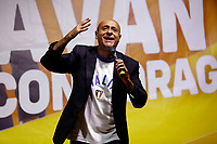 The comedian Alessandro Di Carlo on the stage during the closing of the election campaign for the new mayor of the city.<br /> Rome (Italy), October 1st 2021<br /> Photo Samantha Zucchi Insidefoto