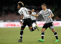 Calcio, Serie A: Napoli vs Juventus. Napoli, stadio San Paolo, 26 settembre 2015. <br /> Juventus' Mario Lemina, left, celebrates with teammate Simone Padoin after scoring during the Italian Serie A football match between Napoli and Juventus at Naple's San Paolo stadium, 26 September 2015.<br /> UPDATE IMAGES PRESS/Isabella Bonotto