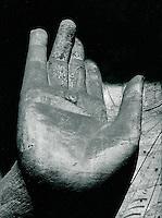 Buddhastatue in Peking, China 1989