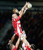 Photo: Richard Lane/Richard Lane Photography. Gloucester Rugby v London Wasps. Aviva Premiership. 02/11/2013 Wasps' Tom Palmer and Gloucester's Will James at a lineout.