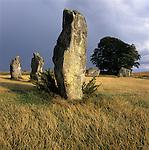 Great Britain, England, Wiltshire, Avebury: a Neolithic henge monument containing three stone circles | Grossbritannien, England, Wiltshire, Avebury: Der Steinkreis von Avebury aus der Jungsteinzeit