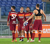 Football, Serie A: AS Roma - Fiorentina, Olympic stadium, Rome, November 1, 2020. <br /> Roma's players celebrate after winning 2-0 the Italian Serie A football match between Roma and Fiorentina at Olympic stadium in Rome, on November 1, 2020. <br /> UPDATE IMAGES PRESS/Isabella Bonotto