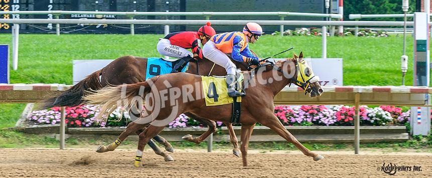 Special Beam winning at Delaware Park on 10/7/21