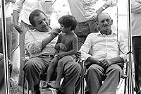 - Cesano Maderno (Milano), settembre 1983, raduno internazionade dei Rom di religione Cristiana evangelista<br /> <br /> <br /> <br /> - Cesano Maderno (Milan), September 1983, international gathering of gypsies of evangelist Christian religion