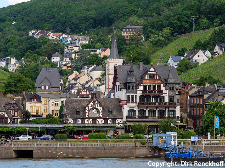 Assmannshausen am Rhein, Hessen, Deutschland, Europa<br /> Assmannshausen at river Rhine, Hesse, Germany, Europe