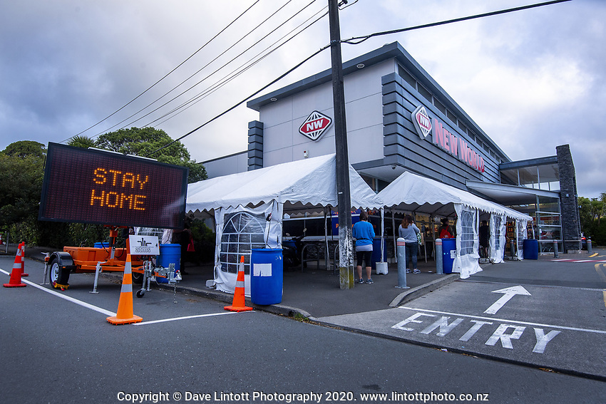 People queue for the Khandallah New World supermarket at 4.30pm, Wednesday, during lockdown for the COVID19 pandemic in Wellington, New Zealand on Wednesday, 22 April 2020. Photo: Dave Lintott / lintottphoto.co.nz