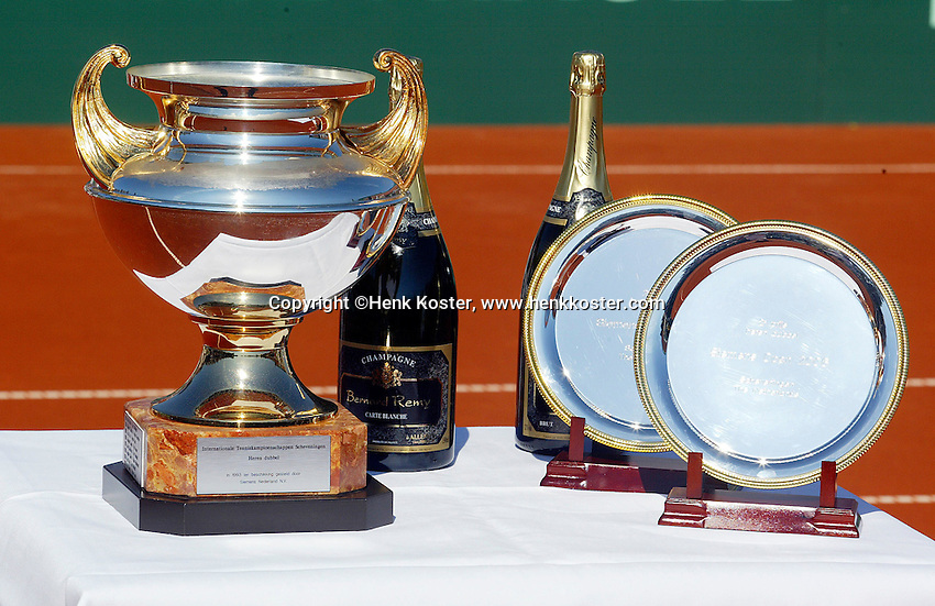 16-7-06,Scheveningen, Siemens Open, doubles final, Trophy table
