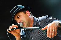 Chanteur de kan an diskan (avec Guy Kerherve) du groupe An Trot