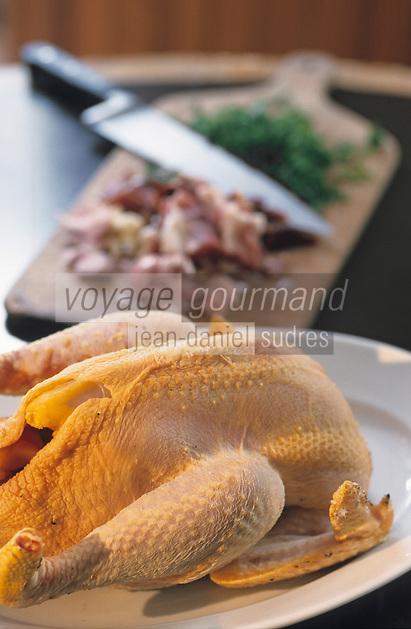 Europe/France/Aquitaine/64/Pyrénées-Atlantiques/Laruns: Monsieur Coudouy (restaurateur) prépare la poule au pot
