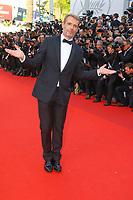 Lambert Wilson sur le tapis rouge pour la soirée dans le cadre de la journée anniversaire de la 70e édition du Festival du Film à Cannes, Palais des Festivals et des Congres, Cannes, Sud de la France, mardi 23 mai 2017.