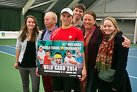 19-01-14,Netherlands, Rotterdam,  TC Victoria, Wildcard Tournament, ,   Final,  Alban Meuffels (NED) with his family<br /> Photo: Henk Koster