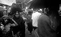 11.2010 Pushkar (Rajasthan)<br /> <br /> Pilgrims under the rain during kartik purnima.<br /> <br /> Pèlerins sous la pluie pendant kartik purnima.