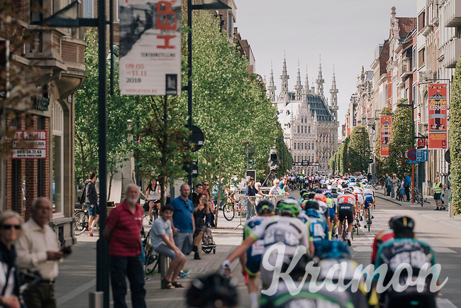 peloton down the finish straight in an early local lap<br /> <br /> 52nd GP Jef Scherens - Rondom Leuven 2018 (1.HC)<br /> 1 Day Race: Leuven to Leuven (186km/BEL)
