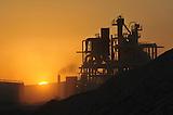Extraccion de litio en el Salar de Atacama, norte de Chile.