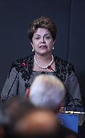 ATENCAO EDITOR: FOTO EMBARGADA PARA VEÍCULOS INTERNACIONAIS. – SAO PAULO, SP, 14 NOVEMBRO 2012 - OLIMPIADAS DO CONHECIMENTO - A presidente da Republica Dilma Rousseff durante visita a VII Olimpiadas do Conhecimento no Centro de Convencoes Anhembi na regiao norte da capital paulista, neta quarta-feira, 14. (FOTO: VANESSA CARVALHO / BRAZIL PHOTO PRESS).